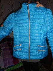 продаю две куртки весна осень новые